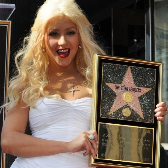 christina-aguilera-hollywood-walk-of-fame-star-1