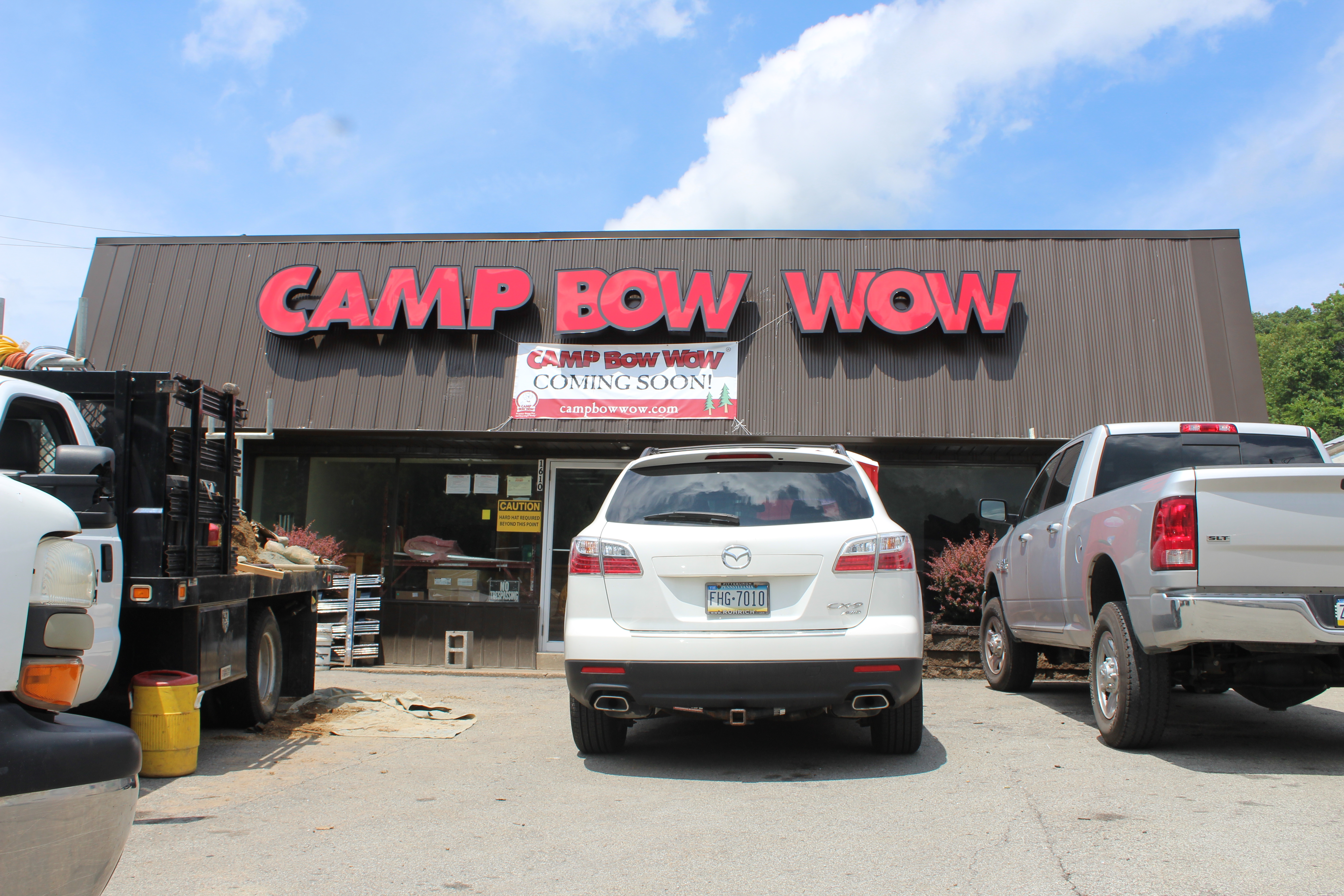Camp Bow Wow, an Inc. company, is a dog daycare and boarding franchise houndquartered in Broomfield, Colorado. The company was founded in by Heidi Ganahl and it operates over locations in the United States and Canada.